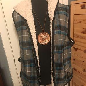 MAURICES Plaid winter vest